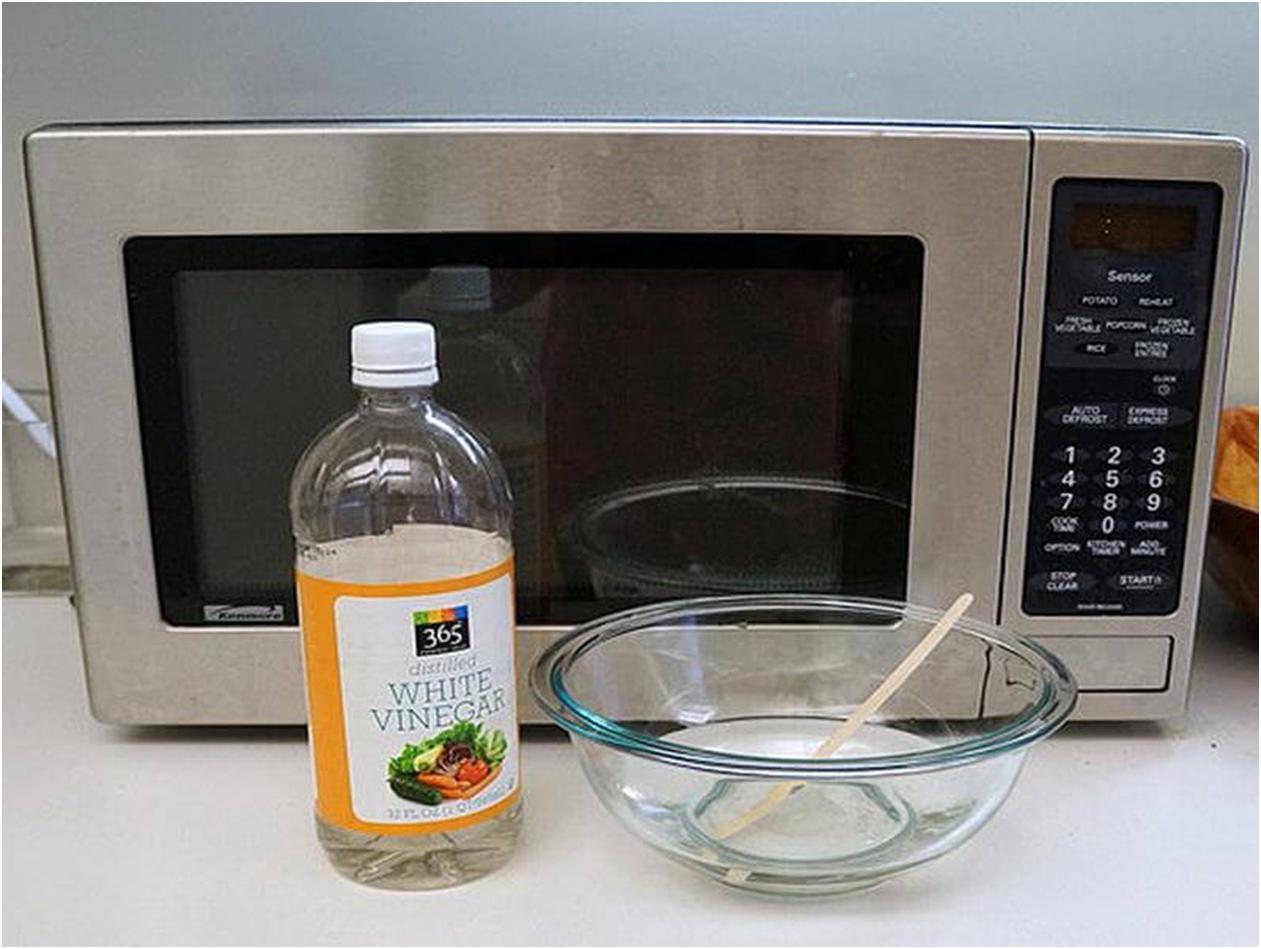 Отмыть микроволновку уксусом