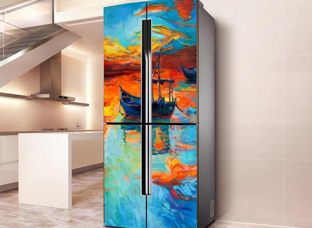 Самоклейка на дверце холодильника