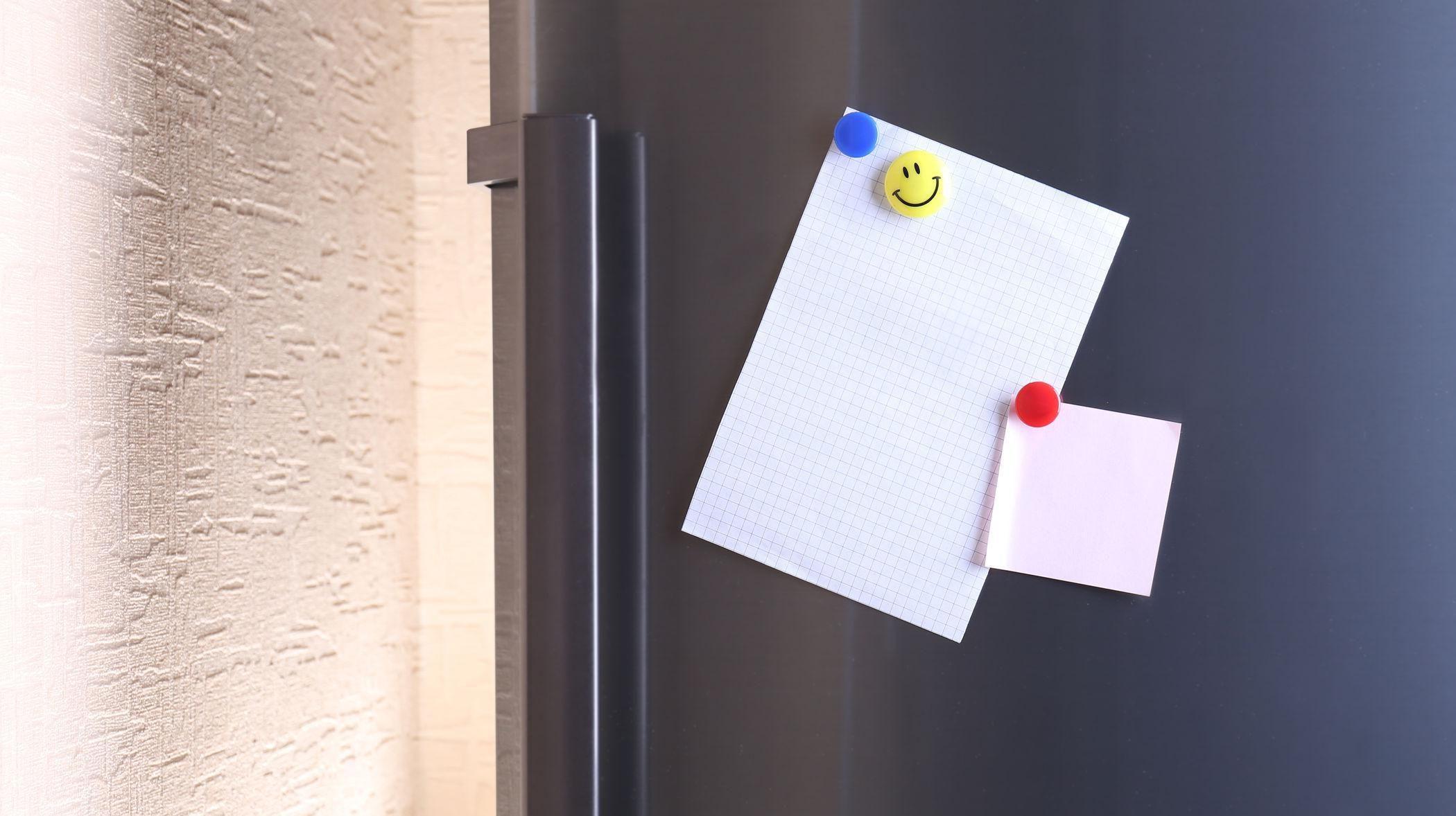 Стикеры на холодильнике
